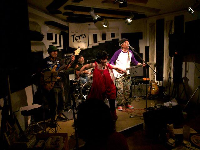 アキノギ&春日善光 live at Terra, Tokyo, 27 Oct 2011. 153