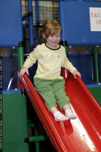 dorothy on the slide    MG 7508