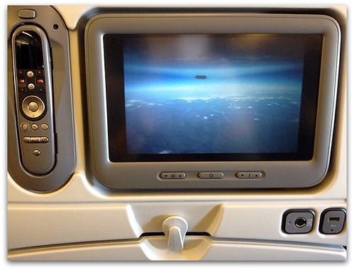 ANA個人用シートモニタで機外カメラ映像など