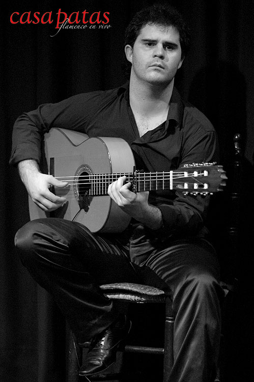 Raúl Vicentí a la guitarra. Foto: Martín Guerrero