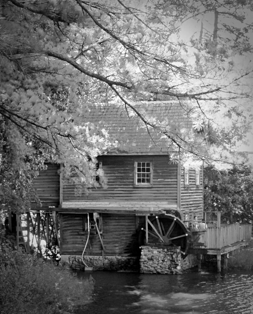 Old Mill (B@W)