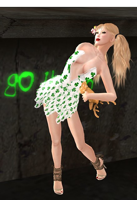 Elemiah Design - Pat GIFT 1l,[Atomic] Grace - Mistletoe (With Love Hunt 2011),MINA Hair - Kim FFL,[SP]StrayBambi_Wear Lucky Board!