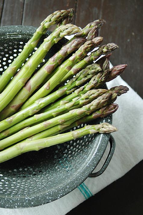asparagus-colander