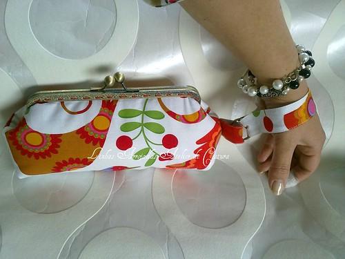 clutch do passarinho laranja by ♥Linhas Arrojadas Atelier de costura♥Sonyaxana