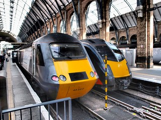 East Coast HST 43305 & Arriva Grand Central Class 180 DMU at Kings Cross Station.