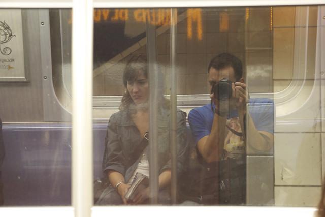 0886 - En el metro