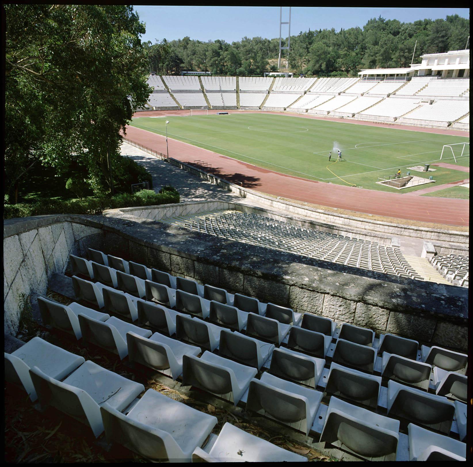 Est dio nacional lisboa portugal bancadas arquitecto for Puerta 27 estadio nacional