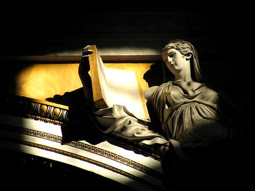 Detalle interior de la Basílica San Pedro by Miradas Compartidas