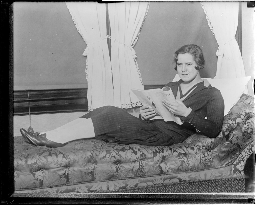 biography caroline gertrude ederle American swimmer the first adult female to swim across the english channel born in new york city ederle began swimming as a immature kid and started viing as a adolescent.