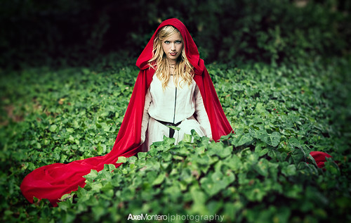 El Costurero Real - Noemi es Caperucita Roja I