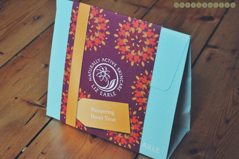 liz earle christmas gift guide hand set 02