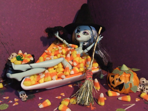 Candy Corn Boo-doir