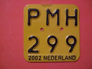 NETHERLANDS 2002 ---MOPED, SCOOTER PLATE #PMH299