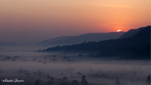 morning trees houses sun india mist misty fog sunrise canon haze good sigma 7d maharashtra rise pune manfrotto 70300 mulshi soumitra inamdar ghusalkhamb soumitra911 उषकाल