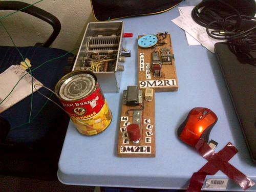 IMG-20111119-DIY radio by Adibi
