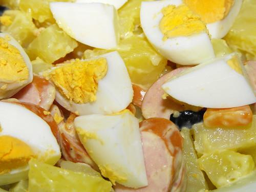 Batatas com salsichas