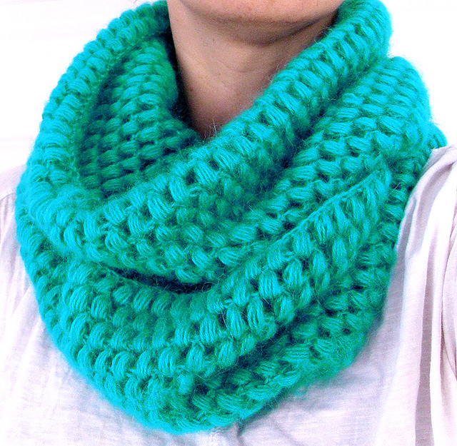 crochet cowl( puff stitch) Flickr - Photo Sharing!