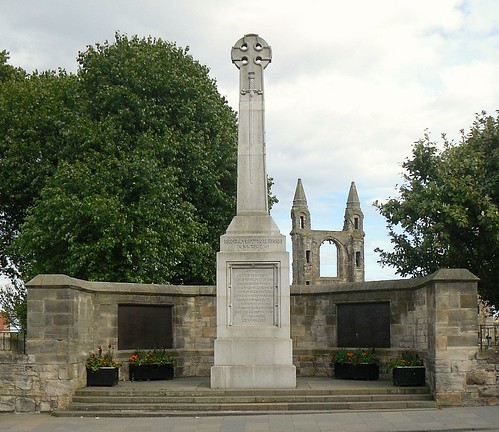 St Andrews War memorial