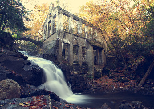 park canada tree fall mill abandoned water leaves waterfall ruins long exposure gatineau carbide