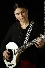 return of the nechville black & white electric banjo…