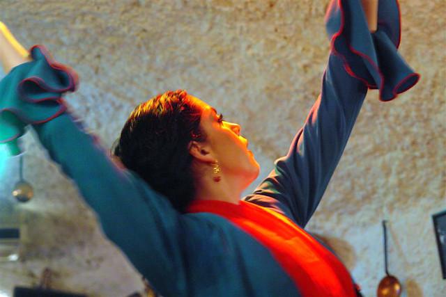 El flamenco es una de las atracciones culturales más demandadas por los turistas que visitan nuestro país Tradiciones y fiestas en España que enamoran a los turistas - 6355226477 a8b44c4b7a z - Tradiciones y fiestas en España que enamoran a los turistas