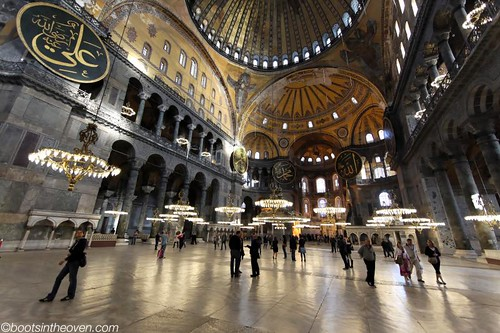Inside: a mix of Byzantine and Ottoman