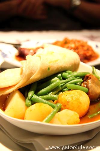 Roti Kip Speciaal (Roti Chicken Special), Kam Yin