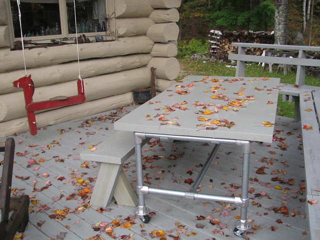 Rolling Picnic Deck Table