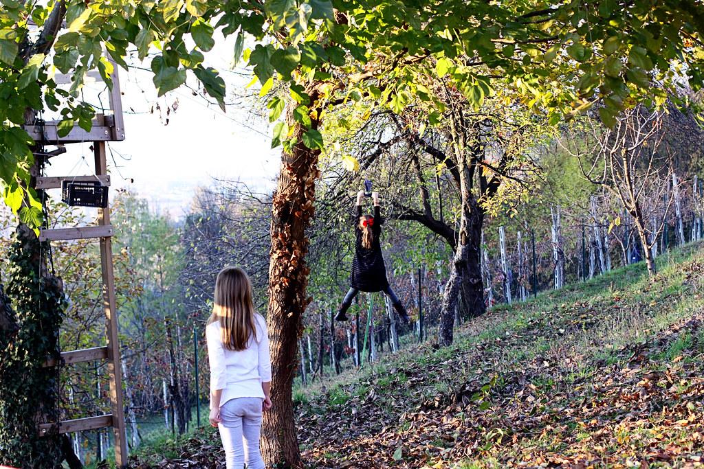 hanging girl2