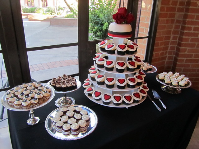 Red Black and White Wedding Cupcake Table