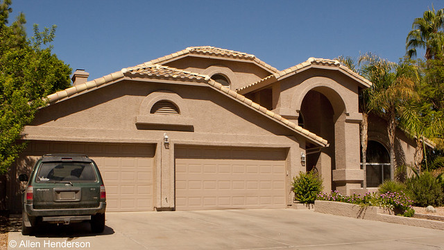 Single level homes in ahwatukee 5 bedrooms 4 car garage for Homes with 4 car garages