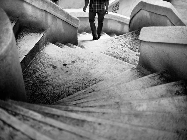 Proyectos Fotográficos: 52 caminatas fotográficas. Camondo Steps / Stairs, Galata - Istanbul por Adde Adesokan