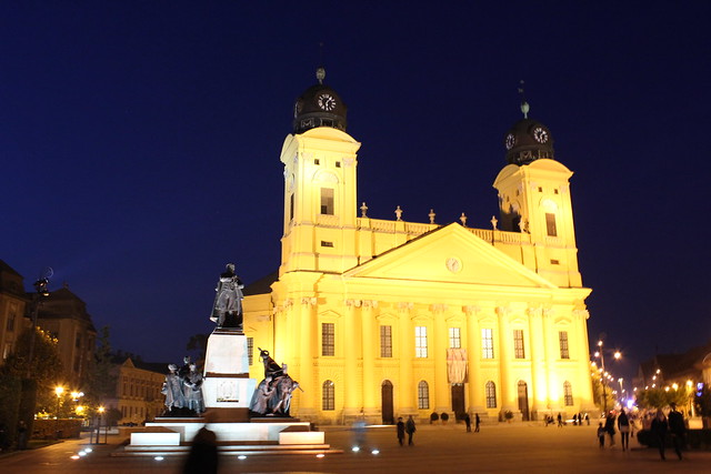 La Gran Iglesia (A Nagytemplom) al anochecer