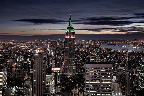 nyc sunset usa ny newyork building skyline sunrise contraluz atardecer nikon nightshot manhattan kingkong empirestate rockefeller topoftherock anochecer nuevayork eeuu quintaavenida d80 algopararecordar