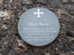 Photo of Henry Bacon green plaque