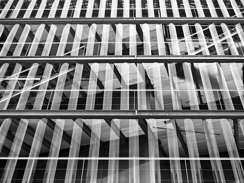 324/365 Escaleras tras el cristal por Juan R. Velasco
