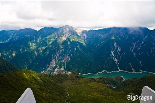 大観峰から黒部湖を望む