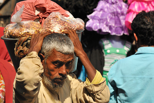 Man carrying nuts | Mumbai market