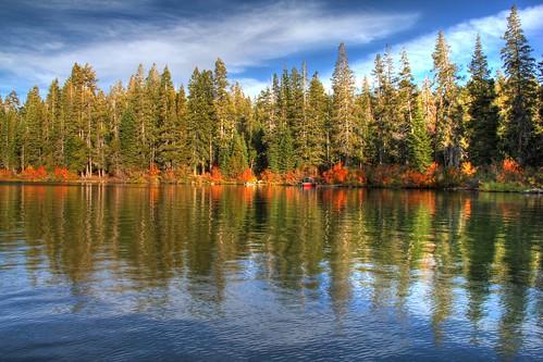 sierras goldlake bassetts sierrabuttes autumnreflections