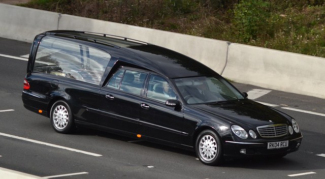 Mercedes hearse flickr photo sharing for Mercedes benz hearse
