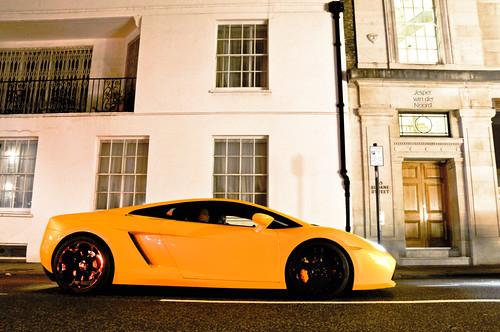 Gallardo at night