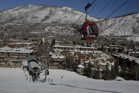 Druhá strana mince: umělé lyžařské vesnice