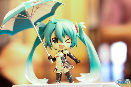 Look this way, Miku-chan! XD
