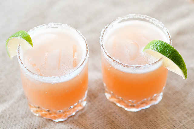 Pink grapefruit margaritas-1