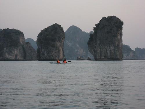heritage unesco worldheritagesite vietnam kayaking 2008 karst unescoworldheritage halong halongbay worldheritage worldheritagelist unescoworldheritagelist karstmountains