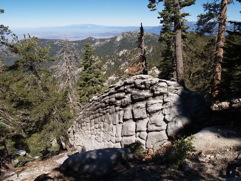 Fuller Ridge Trail - funky boulder
