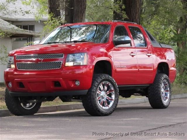 used 2007 chevrolet avalanche for sale street smart auto. Black Bedroom Furniture Sets. Home Design Ideas