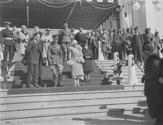 HRH Duke and Duchess of York on dais of Parliament House, Canberra, 9 May 1927 / Sam Hood