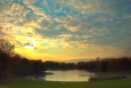 canada automne montréal ciel arbres crépuscule parcdumontroyal lacdescastorsmontréal