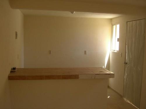 Constructora zacate casa amarilis 1 vendida for Desayunadores de concreto